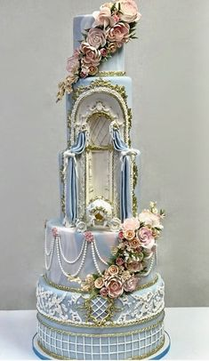 Blue tiered flowers and pearls cake - Beautiful Cakes - Wedding Cakes Crazy Wedding Cakes, Amazing Wedding Cakes, Crazy Cakes, Fancy Cakes, Amazing Cakes, Unique Cakes, Creative Cakes, Gorgeous Cakes, Pretty Cakes