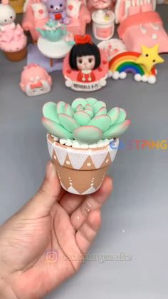 Cute Polymer Clay, Cute Clay, Polymer Clay Dolls, Polymer Clay Projects, Diy Crafts Hacks, Diy And Crafts, Fondant Flower Tutorial, Clay Crafts For Kids, Clay Creations