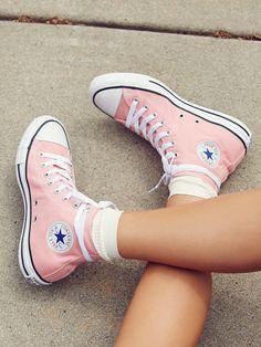 Charlie Hi Top Converse Sneaker - .- Charlie Hi Top Converse Sneaker – - Converse Haute, Mode Converse, Hi Top Converse, High Top Chucks, Outfits With Converse, Converse Sneakers, High Top Sneakers, Light Pink Converse, Custom Converse