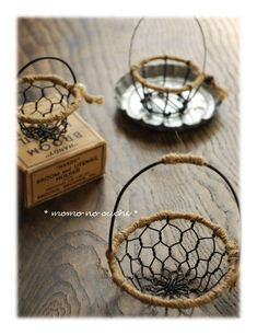 1 million+ Stunning Free Images to Use Anywhere Metal Crafts, Diy And Crafts, Fundraising Crafts, Chicken Wire Crafts, How To Make Clay, Hand Embroidery Videos, Creation Deco, Vintage Baskets, Mini Things