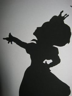 The Red Queen Alice in Wonderland by silhouettesbycarolin on Etsy