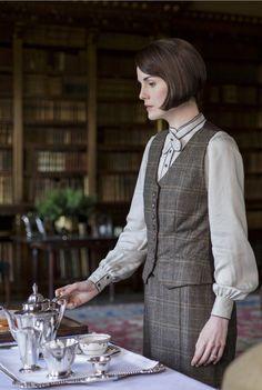Lady Mary Crawley, Downton Abbey, great tv, elegant, female beauty, hands,