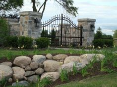 hevey iron enterance gates | Beautiful Wrought iron Driveway entrance gates and fencing pictures in ...
