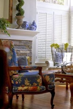 Stunning Fancy French Country Dining Room Decor Ideas 12