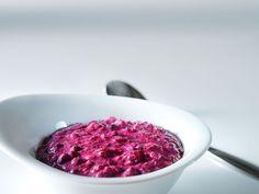 Mustikka-lesetuorepuuro, valmistusaika alle 30 min. Blueberry Oatmeal, Oatmeal Recipes, Raspberry, Fruit, Food, Oats Recipes, The Fruit, Raspberries, Meals