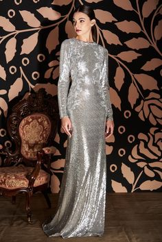 Embroidered Lace, Lace Applique, Modern Hijab, Haute Couture Gowns, Tadashi Shoji, Queen, Beautiful Gowns, High Fashion, Modern Furniture