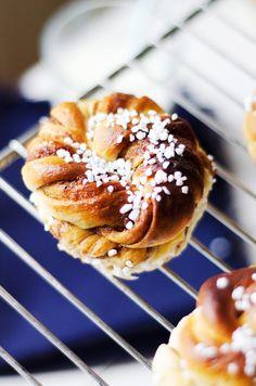 Kanelbullar med mandelmassa och muscovadosocker - Sydsvenskan