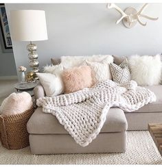 Make a girly glam meets rustic chic living room layout a la Styled By Kasey& chunky knit. Make a girly glam meets rustic chic living room layout a la Styled By Kasey's chunky knits and rosy throws Small Living Room Layout, Chic Living Room, Small Living Rooms, Home Living Room, Apartment Living, Living Room Designs, Glamour Living Room, Chic Apartment Decor, Living Spaces