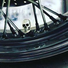 moto💀 Skulls, Cap, Motorcycle, Bike, Motorbikes, Baseball Hat, Bicycle, Motorcycles, Cruiser Bicycle