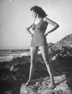 Jane Russell, 1942