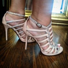 Χειροποίητα Νυφικά  Γυναικεία παπούτσια στα μέτρα της πελάτισσας Peeps, Peep Toe, Platform, Nude, Sandals, Handmade, Shoes, Fashion, Moda