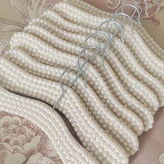 Closet Mirror, Pearl Crafts, Crafts To Make, Diy Crafts, Wedding Hangers, Crystal Decor, Jewelry Quotes, Vases Decor, Beaded Embroidery
