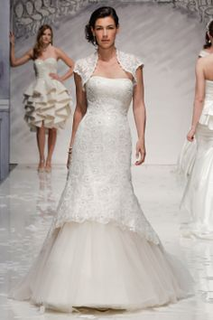 Ian Stuart Bride | Designer wedding dresses-Estelle