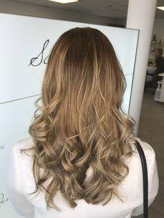 Balayage hair color Hair Color Balayage, Long Hair Styles, Beauty, Hair Stylists, Balayage Hairstyle, Dressmaking, Colourful Hair, Beleza, Long Hair Hairdos