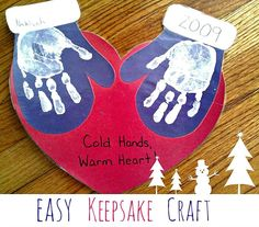 Easy Kid's Handprint Keepsake Craft Makes A Great Gift #winter_crafts_preschool