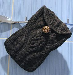 Ravelry: #07 Eyeglass Case pattern by Fiona Ellis-- or phone case/mini purse if you add a shoulder strap