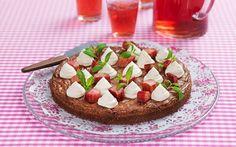 Minttu-raparperisuklaakakku Frisk, Waffles, Pie, Tasty, Breakfast, Desserts, Heavenly, Foods, Torte