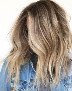 "Balayage ""Singles""—The Technique For Natural Summer Blondes. This balayage and hair-painting technique will create super natural blondes with an all-over lightened effect. Get the tips for how to do it, plus eliminate warmth at the root! Cabelo Inspo, Hair Color Balayage, Blonde Balayage Highlights, Blonde Balayage On Brown Hair, Bronde Balayage, Dark Blonde Hair With Highlights, Balyage Long Hair, Blonde Hair For Brunettes, Beach Blonde Hair"