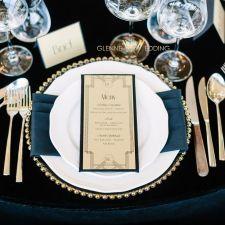 glennewedding-glenneweddingdesign-bryllupsplanlegger-bryllup-dekketallerken-meny-gull