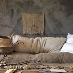 The design aesthetic ''Wabi-sabi'' which shaped up in 2018 is still the décor trend of the moment. The Japanese decor trend will be huge in 2019 as well. Wabi-sabi is in spirit with Japanese way of… Design Hotel, Villa Design, House Design, Design Design, Wabi Sabi, Interior Design Minimalist, Decor Interior Design, Diy Interior, Asian Interior