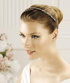 Pronovias präsentiert Ihnen den Kopfschmuck T2-2516 für die Braut. | Pronovias