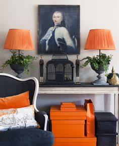 Home Interior Entrance pale grey.charcoal, white and orange.Hermes Orange to be exact. Orange And Grey Living Room Decor, Living Room Grey, Orange Home Decor, Home Interior, Interior Decorating, Interior Design, Deco Orange, Decoracion Vintage Chic, Sweet Home