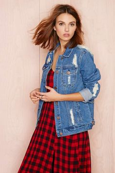 It's all about the denim jacket RN! Shop your fave jean jackets at Nasty Gal and step up your layering game! Don over any outfit for a versatile look! All Jeans, Love Jeans, Edgy Outfits, New Outfits, Denim Fashion, Womens Fashion, Denim Shop, Kinds Of Clothes, Denim Outfit