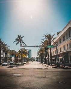 Artificial and yet natural, SouthBeach is one of the most vibrant and relaxing places to be in Miami 🌴 Miami City, Florida City, Downtown Miami, Miami Orlando, South Florida, Miami Images, Miami Pictures, Universal Orlando, South Beach