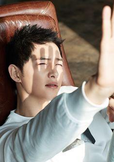 Descendants of the Sun-Korean drama_id-Song Descendants, Asian Actors, Korean Actors, Drama Korea, Korean Drama, Song Joong Ki Dots, Dramas, Soon Joong Ki, Park Bogum
