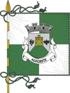 Estandarte da freguesia de Alegrete - Bandeira - Esquartelada de verde e branco. Cordão e borlas de prata e verde. Haste e lança de ouro.