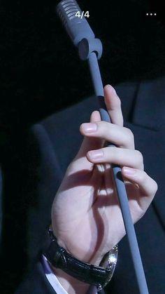 | Save = Follow | #Hiigo Hand Drawing Reference, Anatomy Reference, Beautiful Lips, Beautiful Hands, Camilla, Hand Pose, Hand Photography, Human Poses, Anatomy Poses