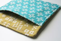 Holiday Hot Pad Tutorial by The Long Thread