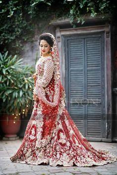 Pakistani Bride Pakistani Wedding Outfits, Bridal Outfits, Pakistani Dresses, Party Dresses, Formal Dresses, Wedding Dresses, Fashion Updates, Colour Schemes, Wedding Designs