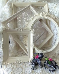Upcycled White Wood Vintage Frames Wall Pocket Scone Wall Hanging Wall Art Oval Ornate Home Decor Flea Market Farm House by picadillymarket