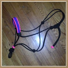 I really dont like super bright colors, but if the paracord was in a lighter color, Id absolutely love this!