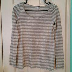 Stripped long sleeve roxy tee (231) Stripped long sleeve roxy tee Roxy Tops Tees - Long Sleeve