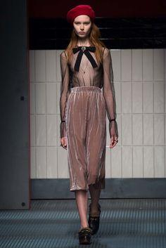 Gucci Fall 2015 Ready-to-Wear Fashion Show - Lia Pavlova (Brave Models Milan)