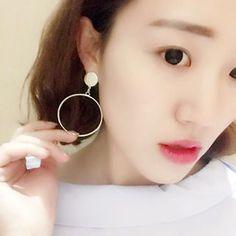 Gold Beam - Hoop Earrings
