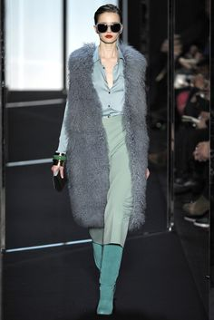 Diane von Furstenberg Fall 2011 Ready-to-Wear Fashion Show - Karmen Pedaru