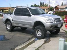 Lifted Ford, Lifted Trucks, Old Trucks, Ford Sport Trac, Sports Track, Ford Explorer Sport, Car Colors, Truck Accessories, Custom Cars