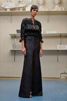 Sfilata Givenchy Parigi - Alta Moda Autunno-Inverno 2016-17 - Vogue