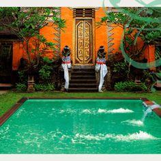 La magie des indes dans cette piscine magnifique. Fontaine et jacuzzi intégrés