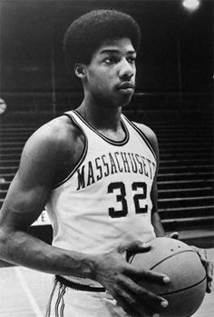 """http://bleacherreport.com/articles/752191-100-best-players-in-college-basketball-history """"Dr. J"""", the legend who put Umass basketball on the Map!"""