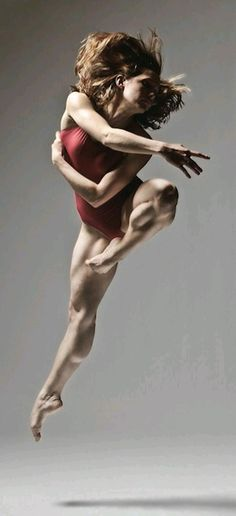 Christopher Peddecord ballet dance photography aloft leap Geez, look at the muscle tone on this dancer! Ballet Dance Photography, Foto Poster, Anatomy Poses, Dance Like No One Is Watching, Poses References, Dynamic Poses, Dance Movement, Dance Poses, Modern Dance