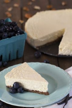 Ultimate Low Carb Cheesecake - Sugar-Free - Ultimate Low Carb Cheesecake, original, classic and NY style! We don't want to over-excite you… but each slice is only 3 net carbs! Eat all the slices! Sugar Free Cheesecake, Low Carb Cheesecake Recipe, Low Carb Deserts, Low Carb Sweets, Healthy Sweets, Eating Healthy, Sugar Free Recipes, Low Carb Recipes, Pie Recipes