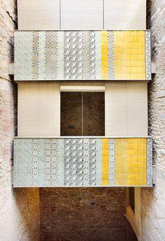 Bosch-Capdeferro (Elisabet Capdeferro and Ramon Bosch): Collage House in Girona