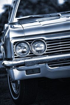 """The very popular Camrao A favorite for car collectors. The Muscle Car History Back in the and the American car manufacturers diversified their automobile lines with high performance vehicles which came to be known as """"Muscle Cars. 66 Impala, 1966 Chevy Impala, Chevrolet Chevelle, Buick Gmc, Maserati, Bugatti, Arte Lowrider, Audi, Us Cars"""