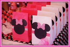 Minnie& Kids Party Decoration - New decoration styles Minnie Mouse Theme Party, Minnie Mouse 1st Birthday, Mickey Party, Baby Birthday, Mickey Mouse Clubhouse, Mini Mickey, 3rd Birthday Parties, Birthday Ideas, Apartment Therapy