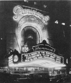 Copy of New York's Paramount Theater - Vintage Movie Theater, Vintage Movies, Old Photos, Vintage Photos, Black And White Photo Wall, Paramount Theater, Neoclassical Architecture, Drive In Theater, Film Studio