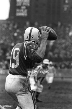 Johnny Unitas (1964 NFL Championship Game). Municipal Stadium - Cleveland
